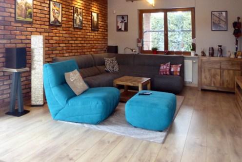 nowoczesny salon w ekskluzywnej willi do sprzedaży w okolicach Piotrkowa Trybunalskiego