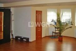 widok na jedno z luksusowych pomieszczeń w ekskluzywnej willi we Wrocławiu na sprzedaż