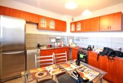 nowocześnie urządzona kuchnia w luksusowej willi w Szczecinie na wynajem