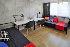 widok na salon w luksusowym apartamencie do wynajęcia w Krakowie
