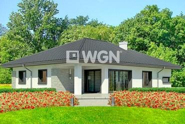 widok od strony ogrodu na luksusową willę w Inowrocławiu na sprzedaż