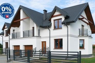 widok z boku na luksusową willę w okolicach Białegostoku na sprzedaż