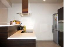 nowoczesna kuchnia w ekskluzywnym apartamencie na Mazurach na sprzedaż