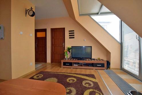 oryginalnie zaprojektowany salon w luksusowym apartamencie do sprzedaży w Białymstoku