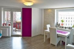 fragment przestronnego wnętrza luksusowego apartamentu do sprzedaży w Pile