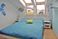 na zdjęciu słoneczna sypialnia w luksusowym apartamencie w Szczecinie na sprzedaż