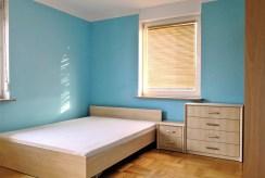 fragment zacisznej, prywatnej sypialni w luksusowym apartamencie w Krakowie na wynajem