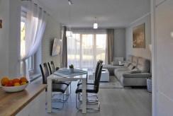 zdjęcie prezentuje salon w luksusowym apartamencie do wynajmu w Kwidzynie
