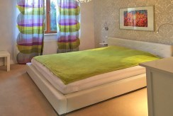 widok na sypialnię w ekskluzywnym apartamencie w Szczecinie na wynajem