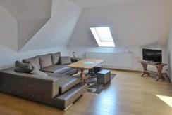 jedno z komfortowych pomieszczeń w luksusowej willi do sprzedaży w okolicach Kwidzyna