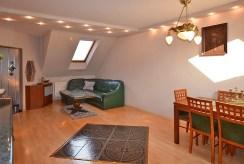 widok na komfortowy salon w luksusowym apartamencie do sprzedaży w Białymstoku