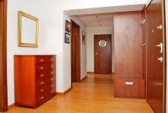 widok na ekskluzywny przedpokój w luksusowym apartamencie do sprzedaży w Szczecinie
