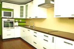 umeblowana i urządzona kuchnia w luksusowym apartamencie w Szczecinie na sprzedaż