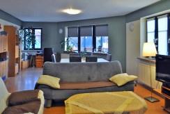 fragment wytwornego, stylowego salonu w luksusowym apartamencie w okolicach Legnicy na sprzerdaż