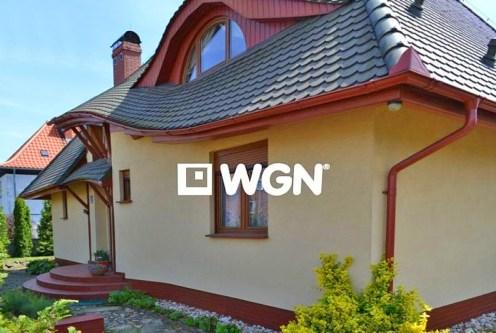 front komfortowej willi do sprzedaży w Bolesławcu