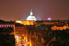 widok z okna na panoramę miasta w luksusowym apartamencie w Katowicach na sprzedaż