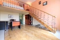 przestronne wnętrze luksusowego apartamentu w Krakowie na wynajem