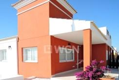 widok od strony tarasu na luksusową willę w Hiszpanii na sprzedaż