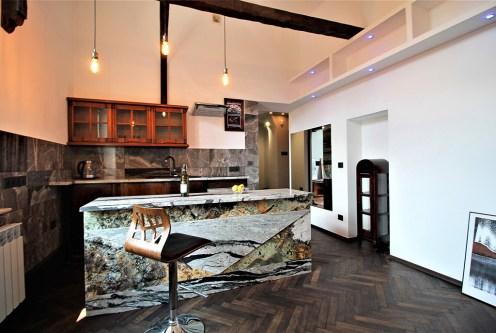 artystyczne wnętrze ekskluzywnego apartamentu do wynajęcia w Krakowie
