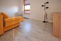widok na elegancką sypialnię w luksusowym apartamencie w Szczecinie na wynajem