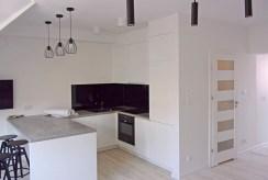 umeblowana kuchnia w luksusowym apartamencie w okolicach Legnicy ma wynajem