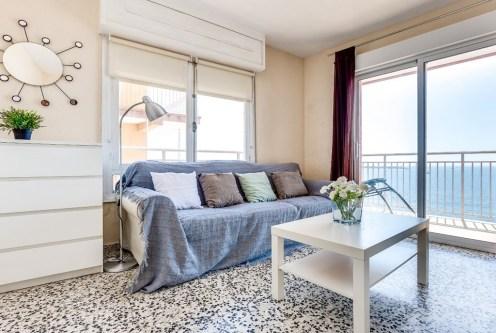 nowoczesny salon w ekskluzywnym apartamencie do sprzedaży w Hiszpanii (Costa Blanca, Torrevieja)