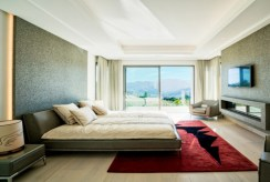 zaciszna, elegancka sypialnia w luksusowej willi w Hiszpanii (Costa del Sol, Malaga) na sprzedaż