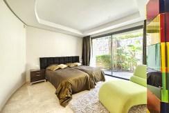 zdjęcie przedstawia prywatną sypialnię w luksusowym apartamencie w Hiszpanii (Costa del Sol, Malaga) na sprzedaż
