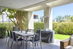 widok na taras przy luksusowym apartamencie do sprzedaży w Hiszpanii (Costa del Sol, Malaga)