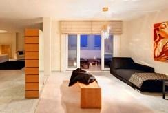 przytulna, zaciszna sypialnia w luksusowym apartamencie w Hiszpanii (Malaga, Costa del Sol) na sprzedaż
