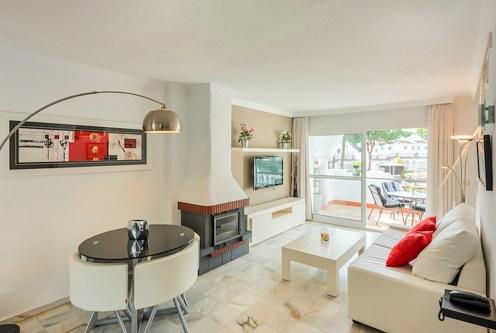 komfortowy salon w ekskluzywnej willi do sprzedaży Hiszpania (Costa del Sol, Malaga)