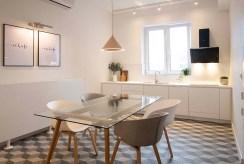 nowoczesna jadalnia w luksusowym apartamencie do sprzedaży Katowice