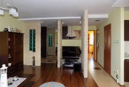 nowoczesne wnętrze i rozkład pokoi w ekskluzywnym apartamencie do sprzedaży Mazury