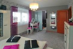 jeden z komfortowych pokoi w luksusowej willi do sprzedaży Zgorzelec
