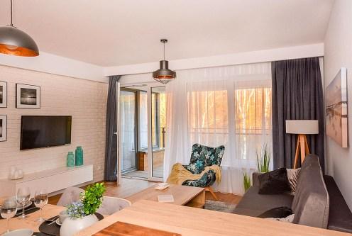 prestiżowy salon w ekskluzywnym apartamencie do sprzedaży nad morzem