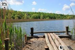 widok na jezioro i pomost przy luksusowej willi do sprzedaży Katowice (okolice)