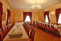 jedna z sal bankietowych w ekskluzywnym pałacu do sprzedaży Śląsk