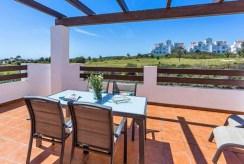 imponujący taras przy luksusowym apartamencie do sprzedaży Hiszpania (Estepona, Costa del Sol)
