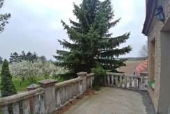 widok z tarasu przy luksusowym dworze do sprzedaży Dolny Śląsk