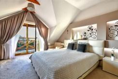 prywatna sypialnia w luksusowej willi do sprzedaży Kraków (okolice)