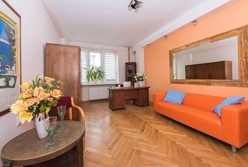 klasyczne wnętrze ekskluzywnego apartamentu do sprzedaży Warszawa