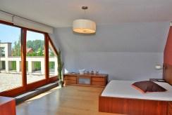 prywatna, zaciszna sypialnia w luksusowej rezydencji na sprzedaż Wrocław