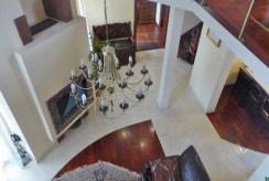 widok z góry na elegancki salon w ekskluzywnej willi do sprzedaży Piotrków Trybunalski