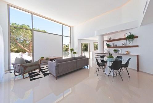 przestronny i słoneczny salon w ekskluzywnej willi do sprzedaży Hiszpania (Ciudad Quesad)