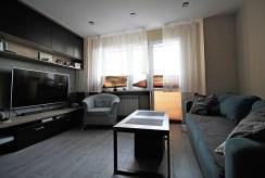 komfortowe wnętrze jednego z pokoi w luksusowym apartamencie do sprzedaży Kraków