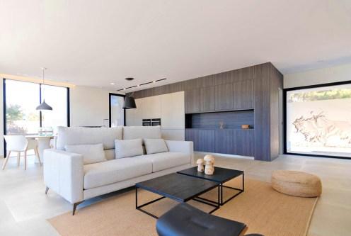 przestronny salon w ekskluzywnej willi do sprzedaży Hiszpania (Jave)