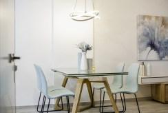 zbliżenie na jadalnię w luksusowym apartamencie na sprzedaż Hiszpania (Orihuel)