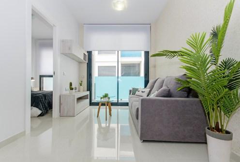 komfortowy salon w ekskluzywnym apartamencie do sprzedaży Hiszpania (Torreviej)