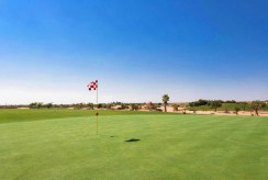 pobliskie pole golfowe obok luksusowej willi na sprzedaż Hiszpania (Las Balsicas)
