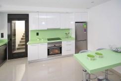 kuchnia w zabudowie w ekskluzywnej willi do sprzedaży Hiszpania (Lorca)